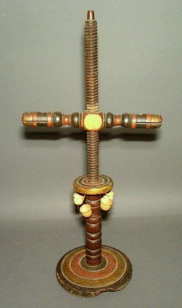 256:  Pine yarn winder with original black, yellow and