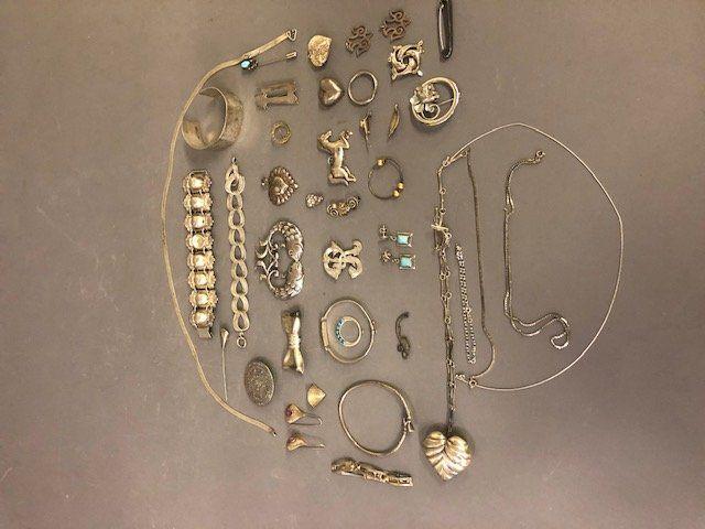 Silver Ladies Jewelry