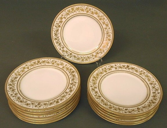 18: Limoges service plates, set of twelve, with gilt de