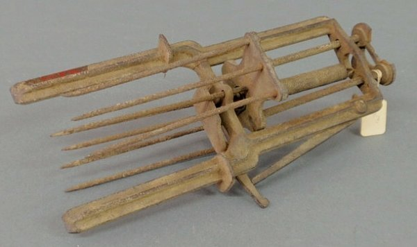 """38: Mole trap """"L.H. Olmsted's, Patent July 2, '86"""". 12"""""""
