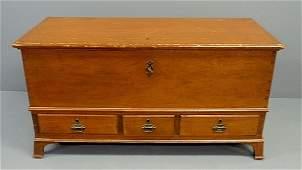 Pennsylvania German pine blanket chest with three