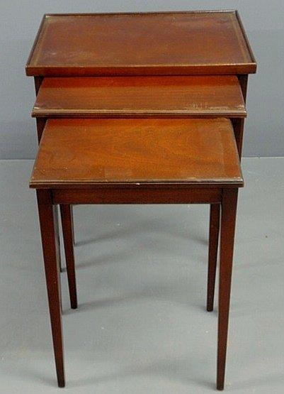 38: Hepplewhite style nesting tables, set of three, la