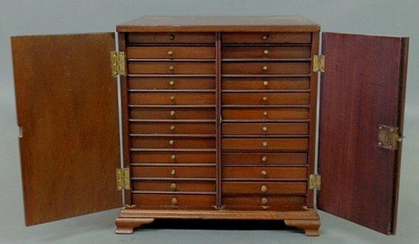 45: Miniature mahogany specimen chest, c.1800, with do