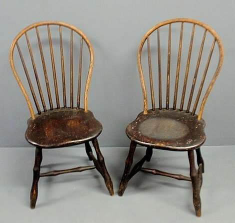 213: Pair of Pennsylvania bow-back Windsor side chairs,
