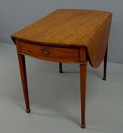230: George III mahogany Pembroke table with D-shaped l
