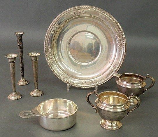 233: Group of sterling silver items- creamer & sugar bo