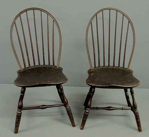 246: Pair of New England bow-back Windsor side chairs,