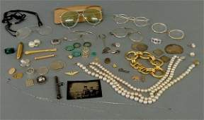 268 Group of jewelry and accessories gold and silver