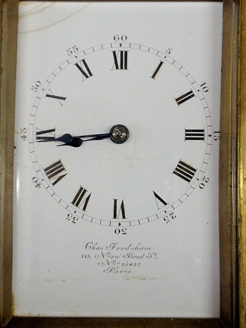 580: French brass carriage clock with beveled glass, fa - 2