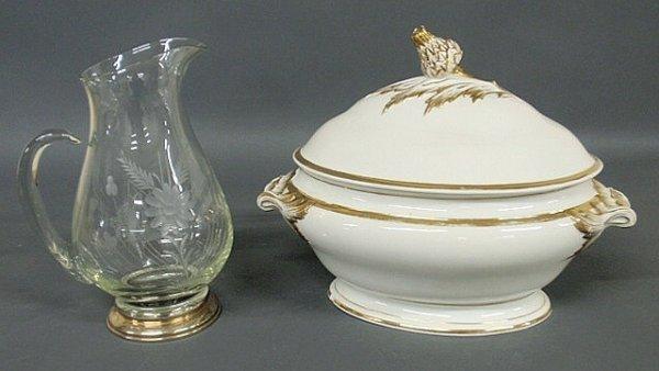 252: Oval Paris porcelain type tureen with gilt decorat