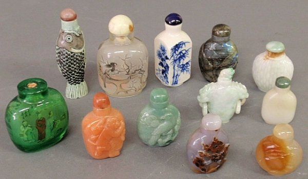 Collection of twelve snuff bottles, 19th/20th c.,