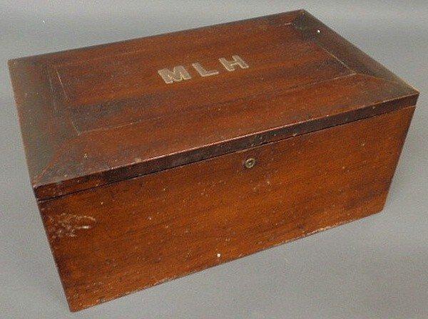 144: Mahogany storage box, late 19th c., the lid inlaid