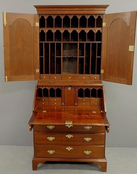 300: Rare Queen Anne walnut secretary bookcase, c.1740,