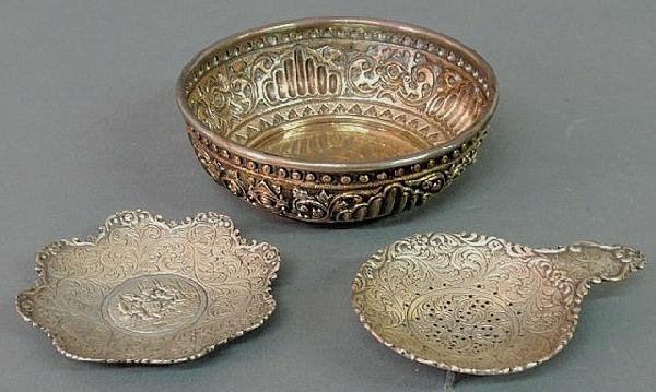 "26: Continental silver repoussé decorated bowl 5.5""dia"
