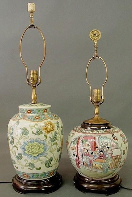 27: Two contemporary Chinese porcelain table lamps. 31
