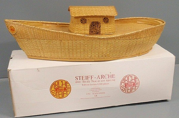 34: Large Steiff basket woven Noah's Ark, 1992, with t