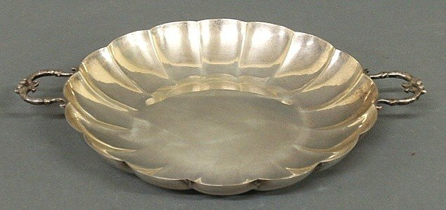 """13: Sterling silver dish with scrolled handles. 8""""dia"""