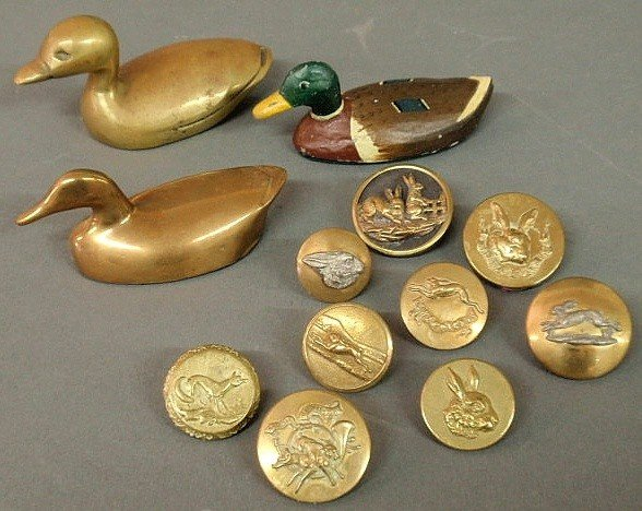 14: Nine brass buttons from foxhunting coats, two bra