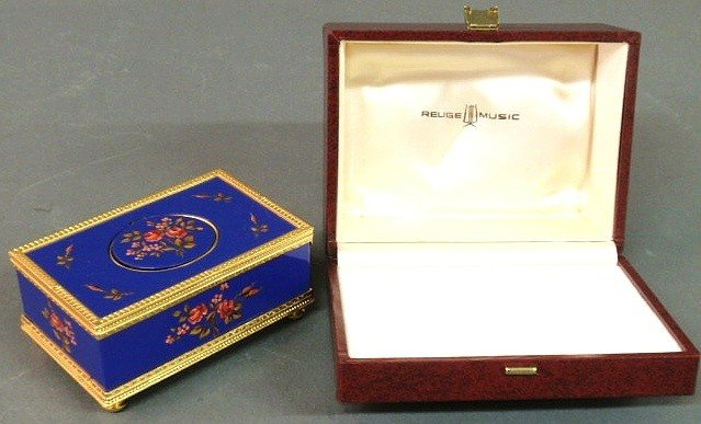 425: Reuge Swiss music box, the blue enameled case wit