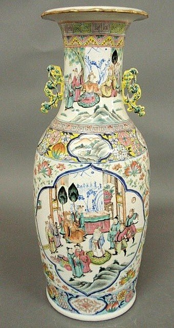 5: Large Asian porcelain urn, 19th c., decorated wit