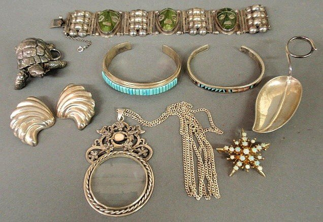 21: Group of sterling silver and Mexican silver jewel
