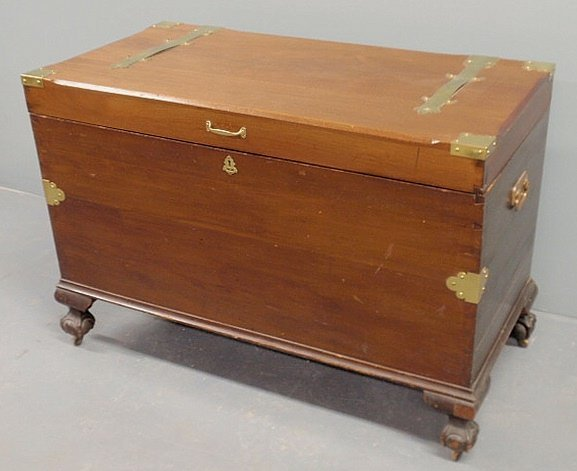39: Chippendale style mahogany blanket chest, 20th c.