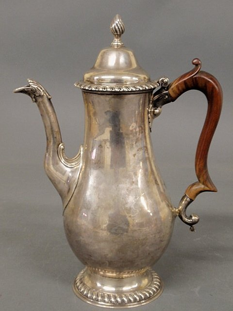45: Fine George III silver coffeepot by London silver