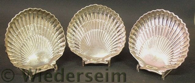 24: Set of three sterling silver scallop shell form d