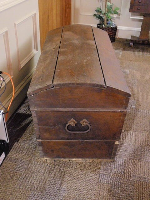 113: Walnut dome-lid blanket chest, 19th c., with  wro - 2