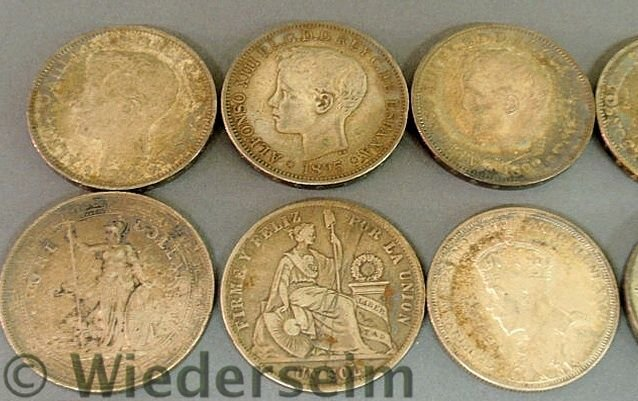 288: Group of foreign coins and medals TI- 1793 Spanis - 4