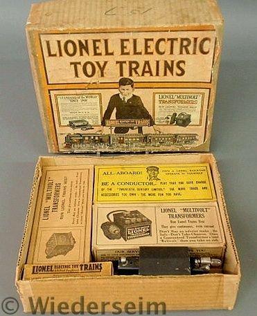 320: Lionel train set in the original box, O gauge Out