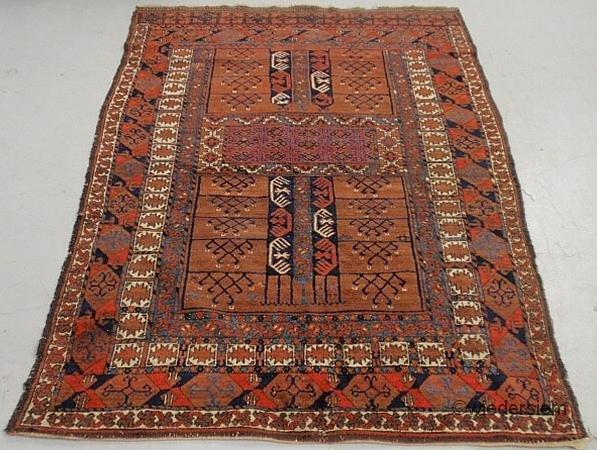 7: Oriental center hall carpet with geometric patterns