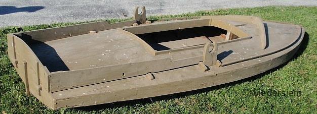 619: Green painted cedar Barnegat Sneak Box duck boat
