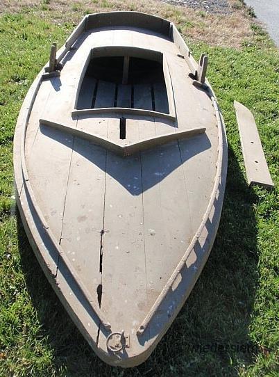 619: Green painted cedar Barnegat Sneak Box duck boat - 2