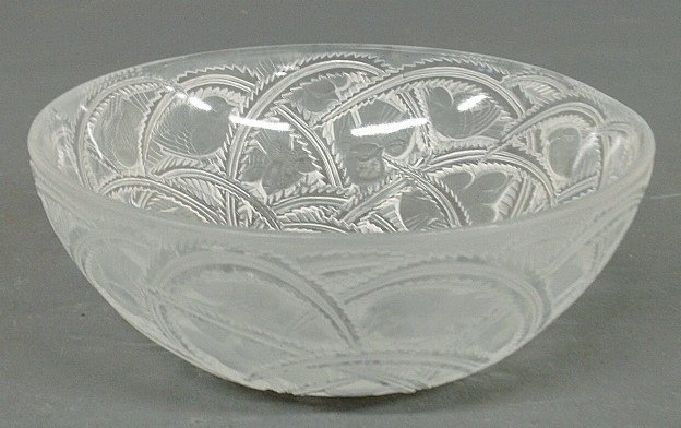 Lalique frosted glass bowl with etched bird motif, etch
