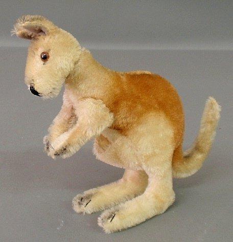Steiff kangaroo, c.1950, no tag, button or joey.