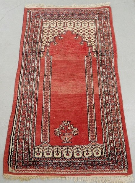"""Persian prayer rug with red field. 4'2""""x2'7"""""""
