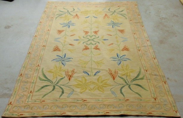 """Wool garden carpet with lily design. 5'10""""x9'"""