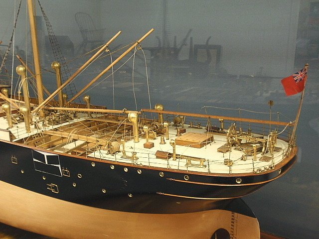 Massive finely detailed wood and brass builder's model - 8