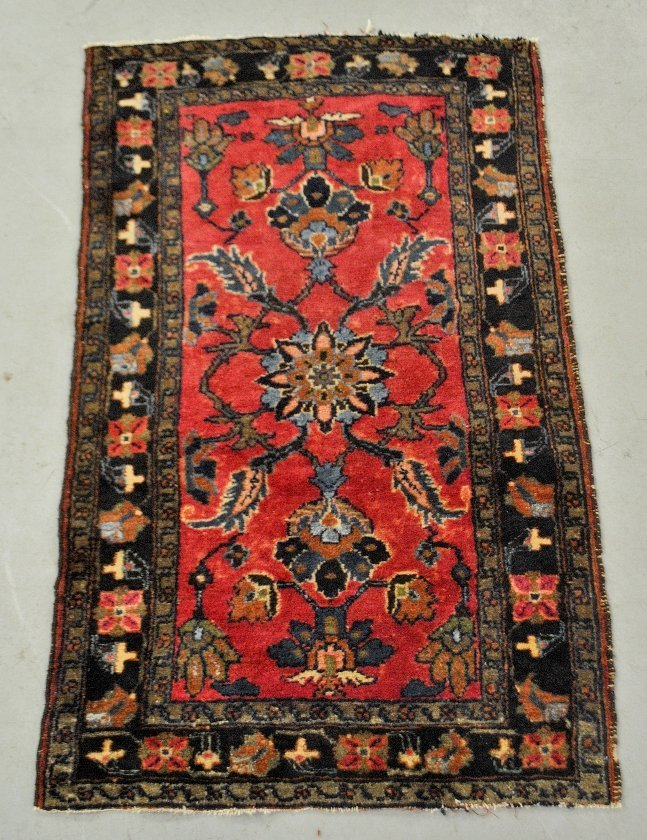 Hamadan oriental mat with burgundy field and overall