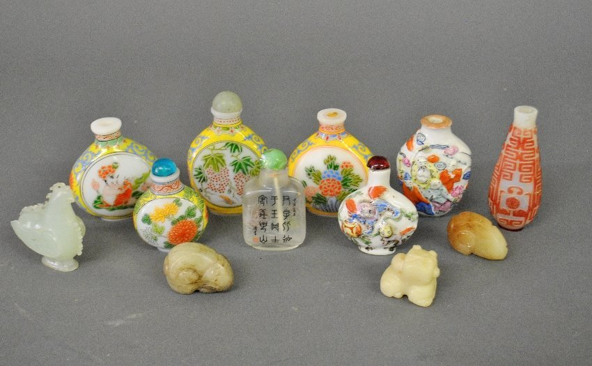 Eight Chinese porcelain/glass snuff bottles, 19th/20th