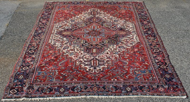 Room size colorful Heriz oriental carpet with center