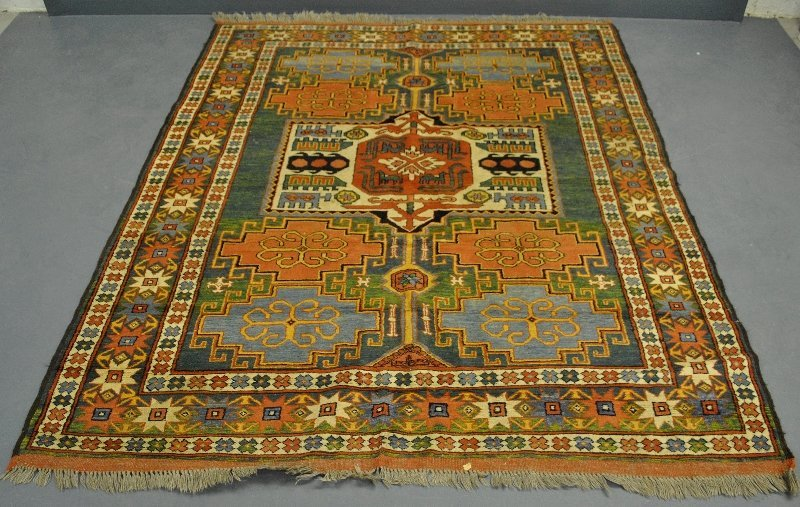 Heriz style center hall carpet, 20th c. 7'x5.5'