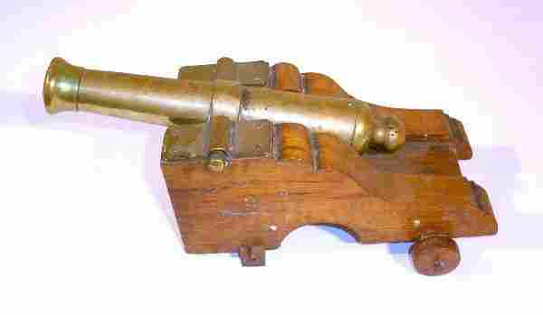 211: Brass ship's cannon, early 19th c. style, mounted