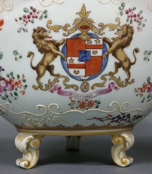Three French pieces of Samson Armorial porcelain, as - 3