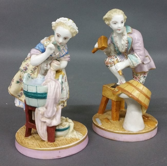 Two German porcelain figures, probably Meissen. Tallest