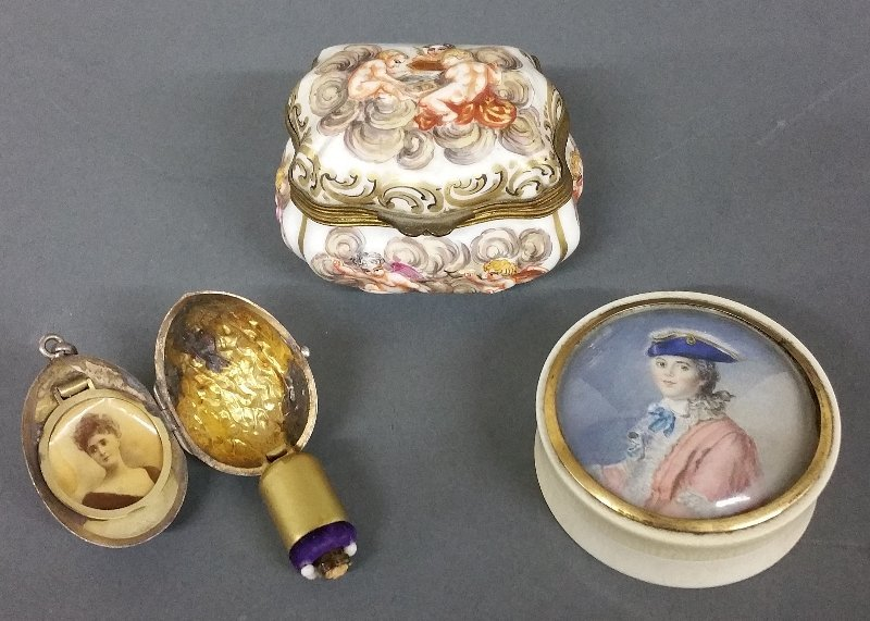 Capo-di-Monte porcelain box (as found), miniature