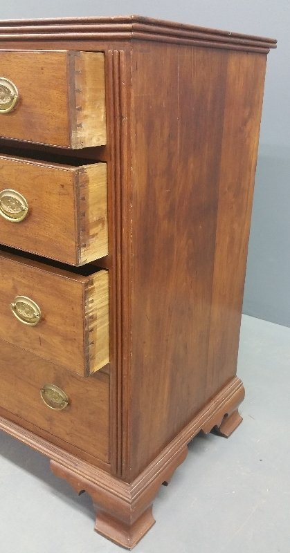 Pennsylvania Chippendale walnut chest of drawers, circa - 2