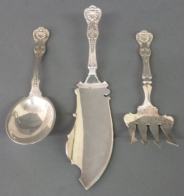 "Sterling silver ""Kings"" pattern fish slice and a salad"