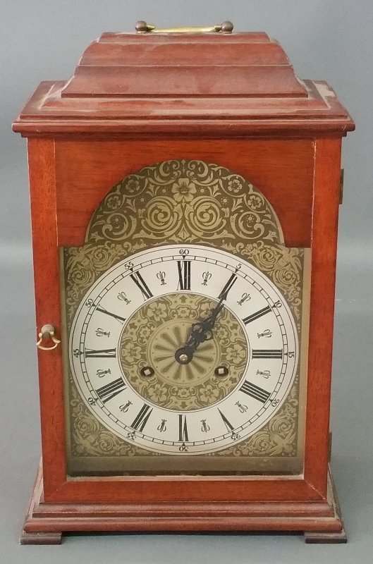 Mahogany cased bracket clock made by Natt M. Emery,